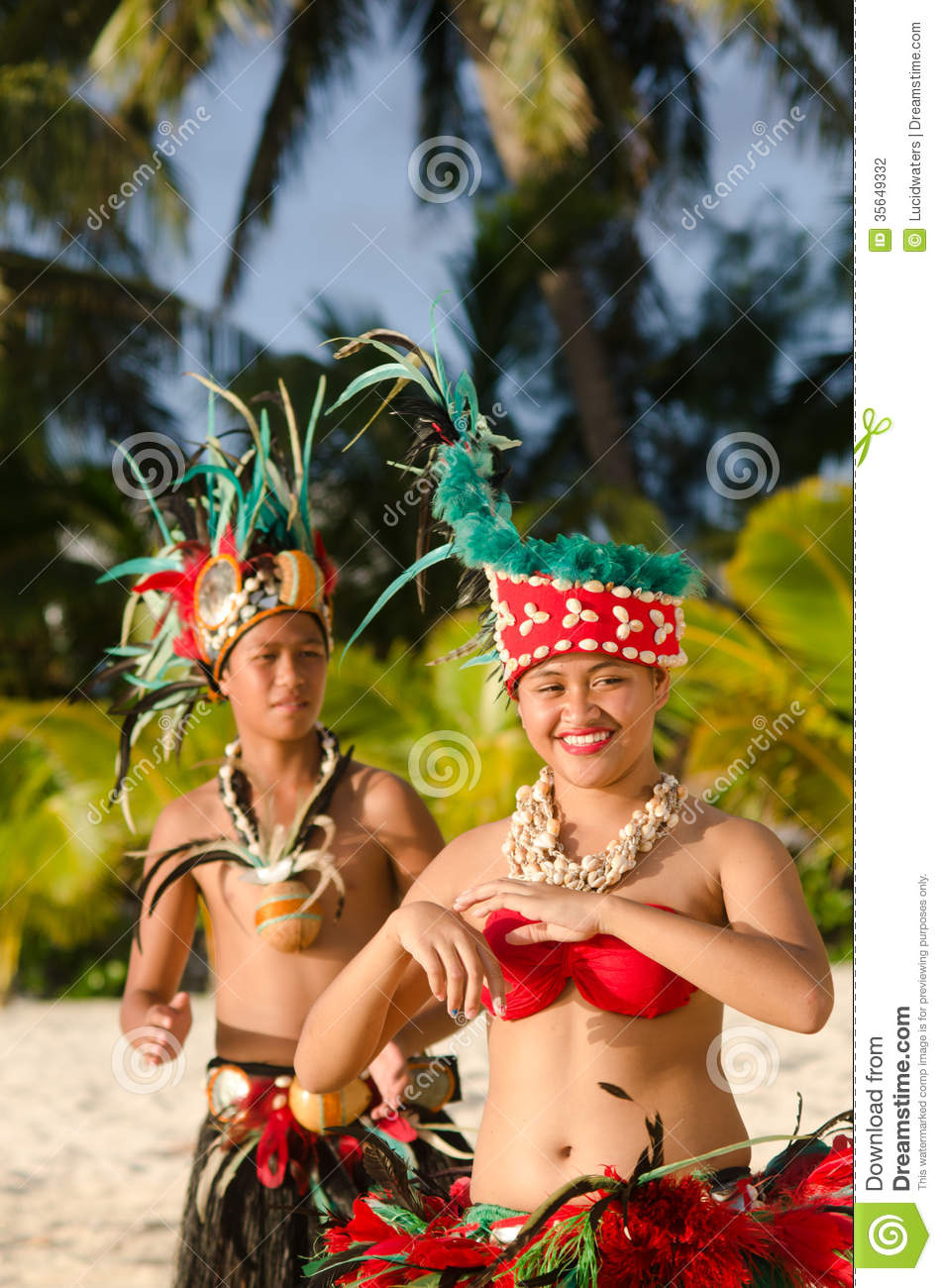 Young Polynesian Pacific Island Tahitian Dancers Couple