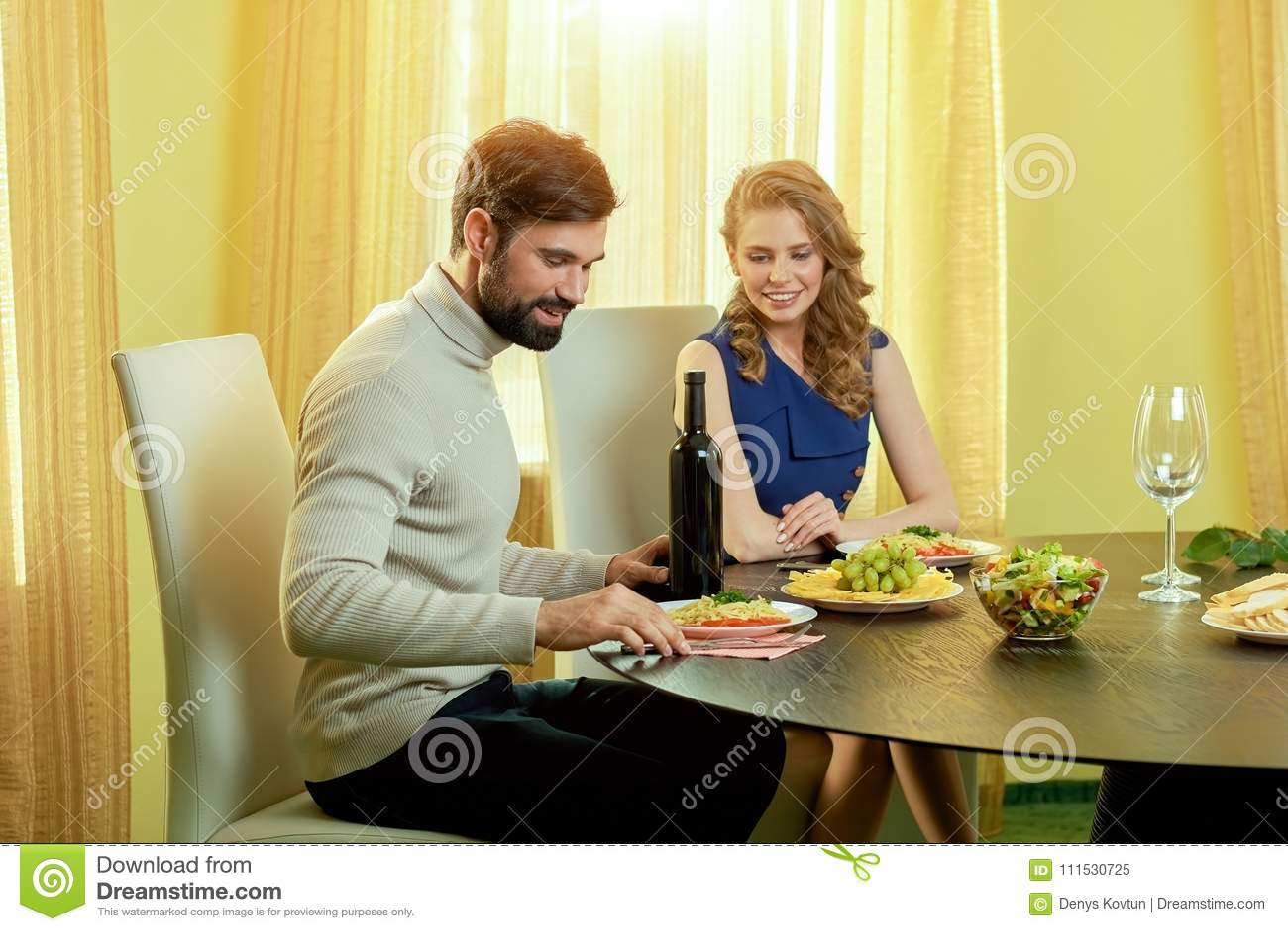 Start dating senior year