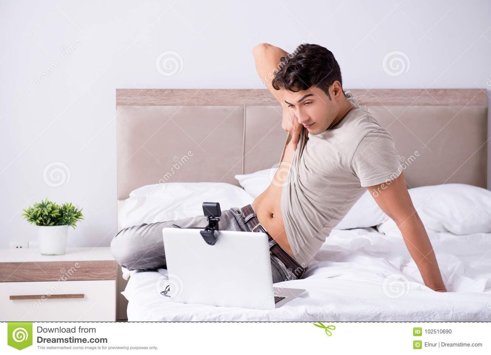 Online dating fight scene notebook