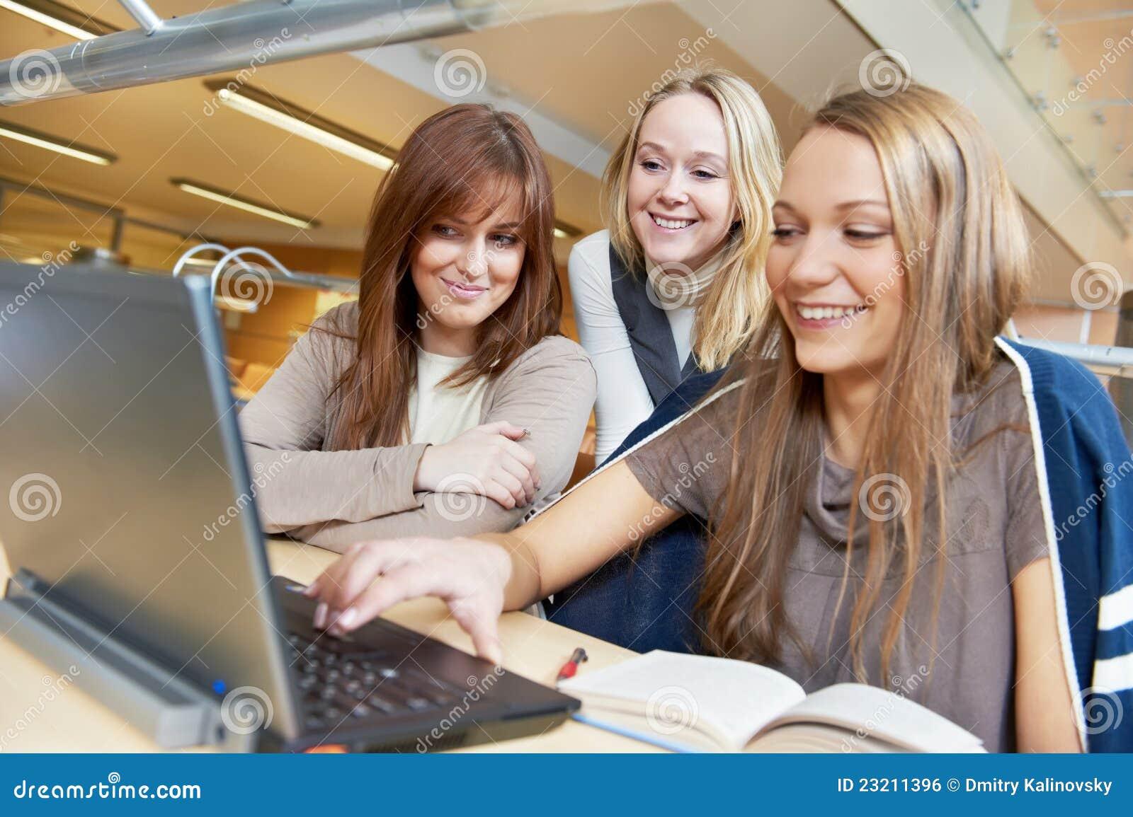 Фото студентки домашние 8 фотография