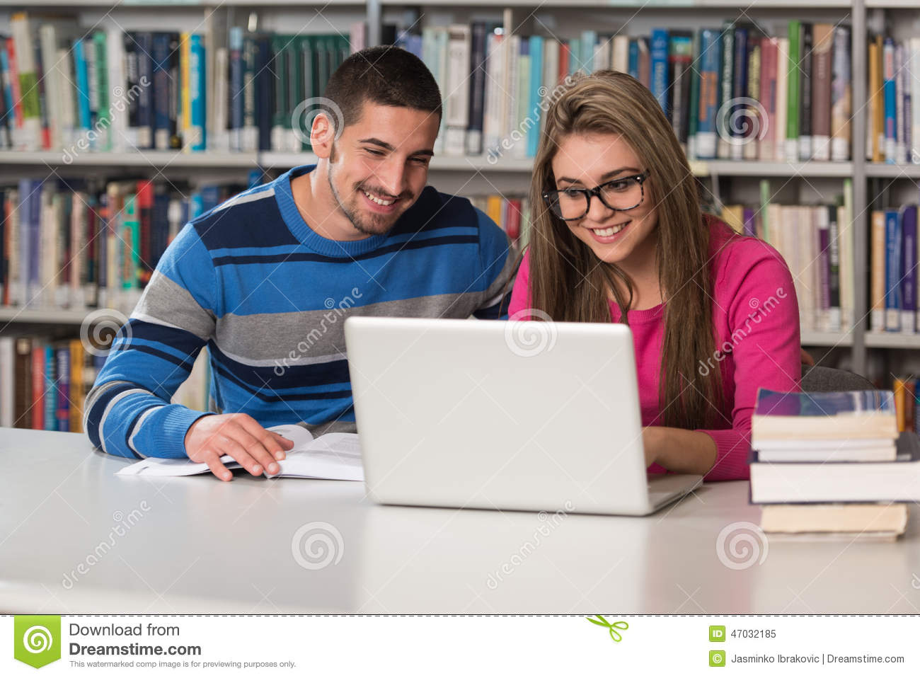 College students who use online dating