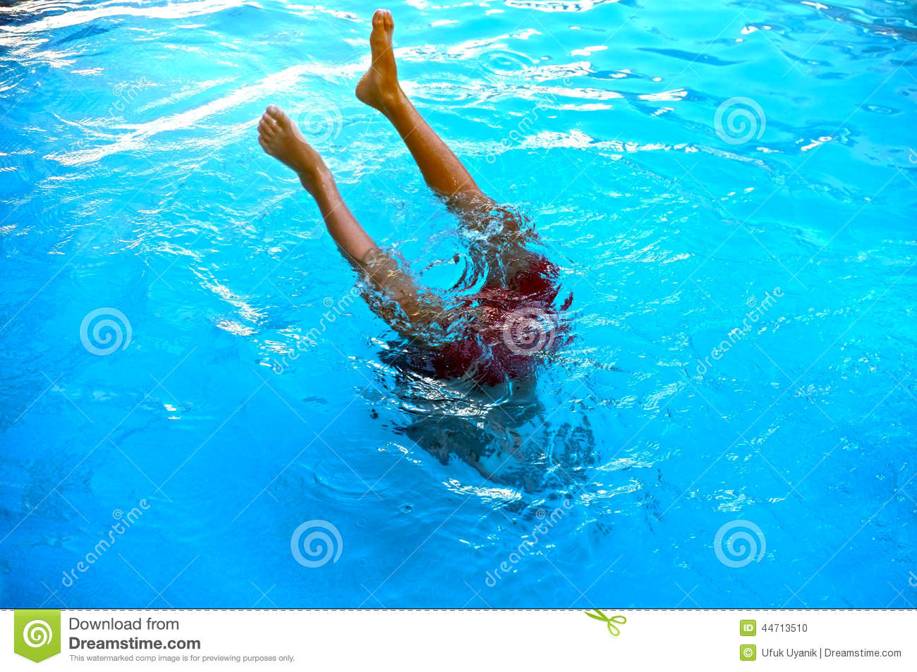 Boy Diving In Pool Royalty Free Stock Image
