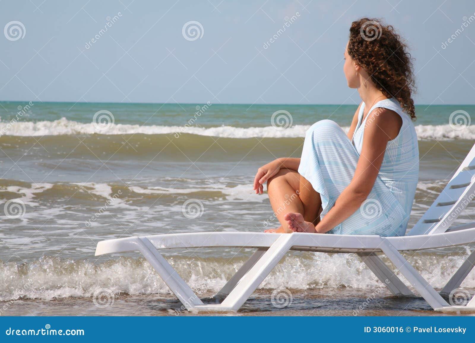 Фото женщин на берегу моря 8 фотография
