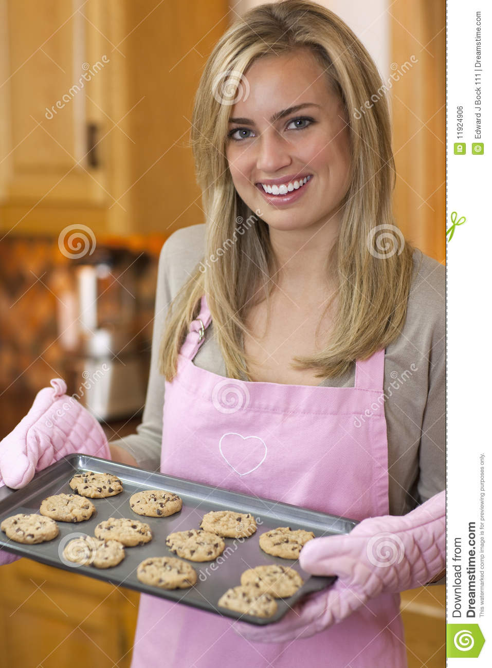Young Women Chocolate Chip Cookies