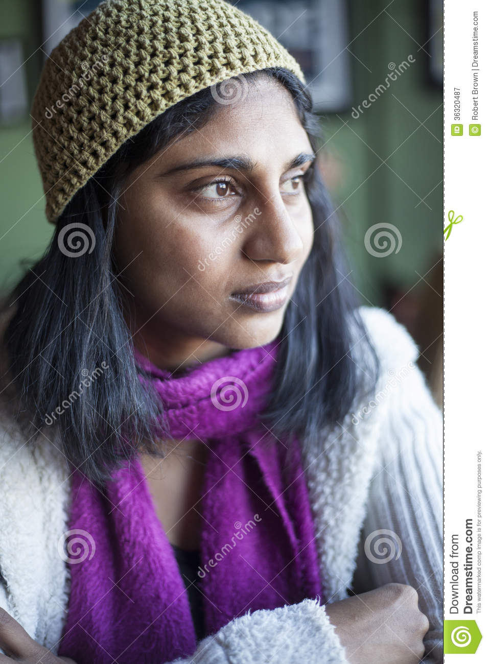 ebony hindu single women Do indian women like to date black i haven't seen a preference among indian women for black men what are some challenges caucasian women face dating indian.
