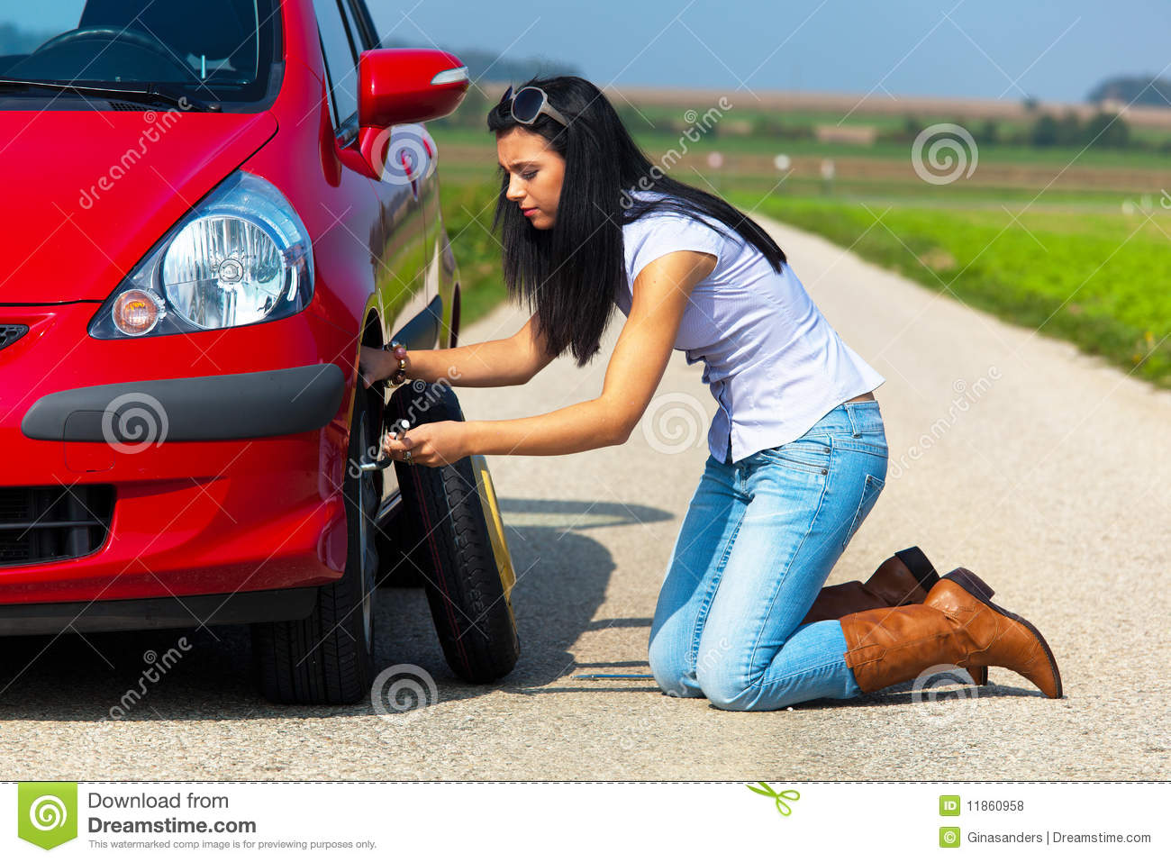 Girl Changes Her Tyre