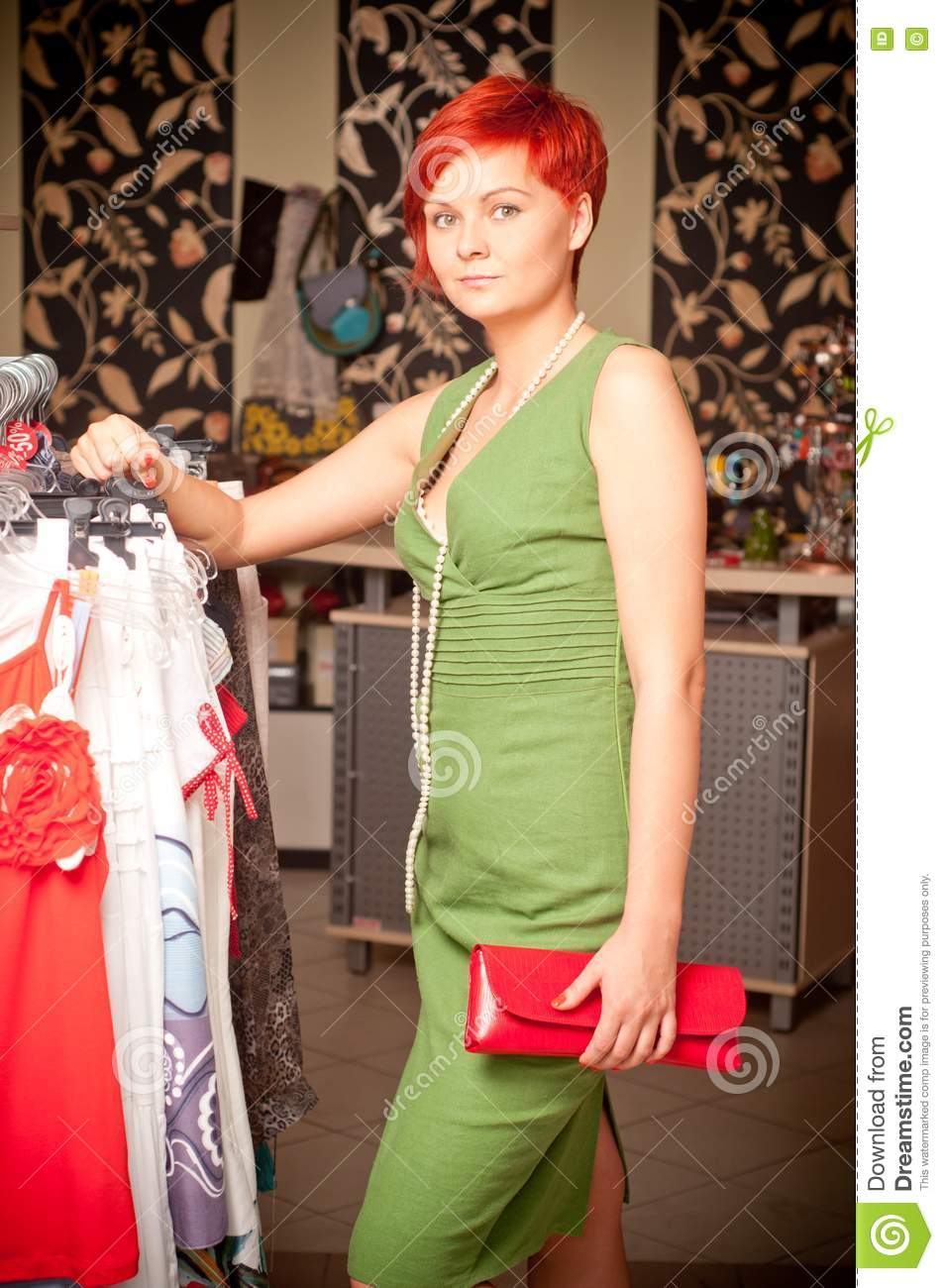 Young adult clothing stores. Cheap online clothing stores