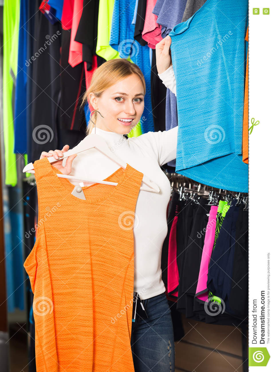 Young women clothing stores
