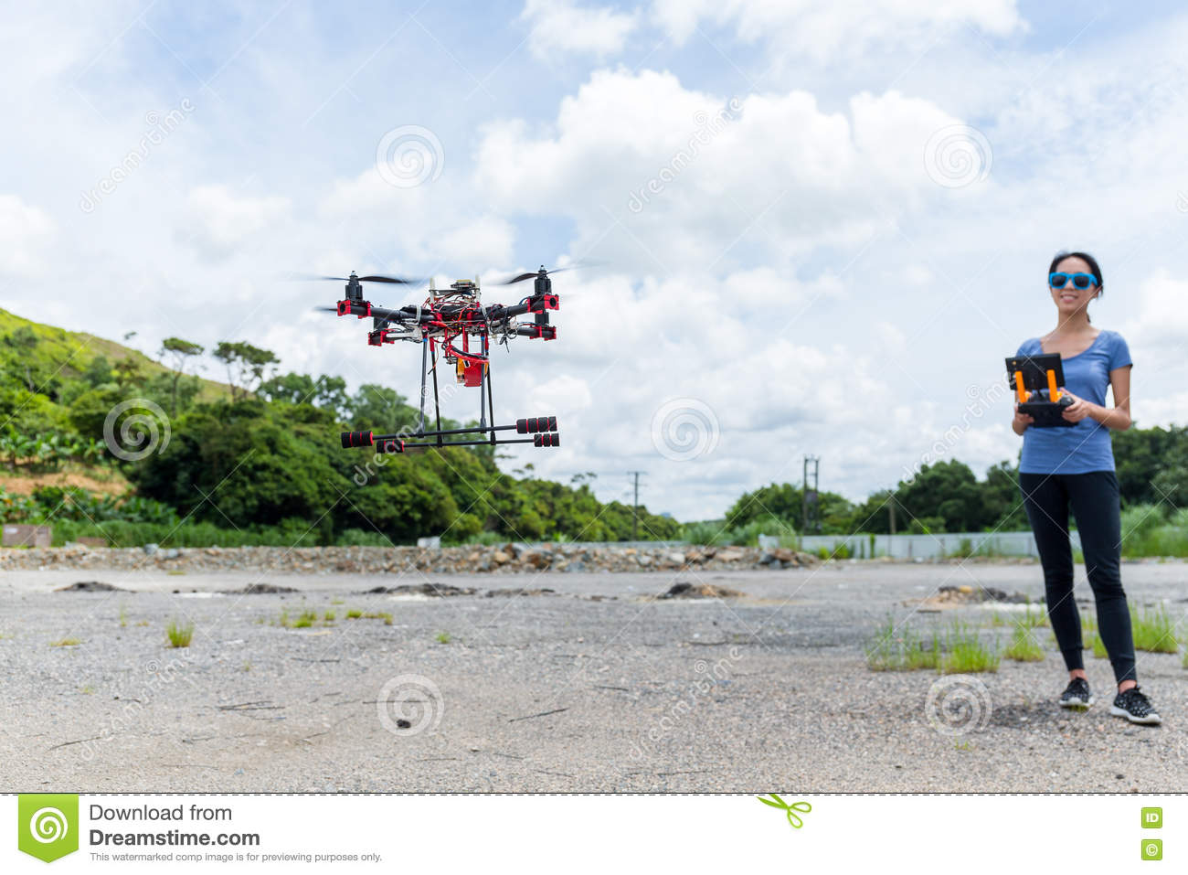 remote helicopter with camera outdoor with Woman Flying Drone on Fixed Wing Drone likewise Pp 1226355 likewise Precio Html in addition Page1 moreover Woman Flying Drone.