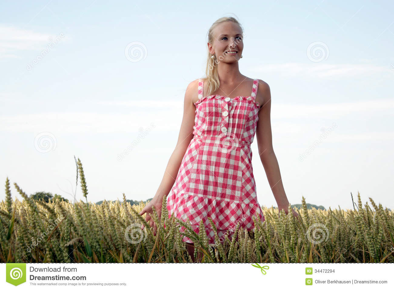 Young Woman In A Corn Field Stock Images - Image: 34472294