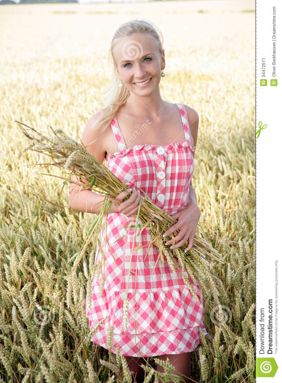 Young Woman In A Corn Field Stock Image - Image: 34472511