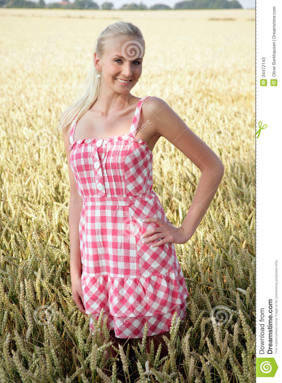 Young Woman In A Corn Field Stock Photos - Image: 34472143