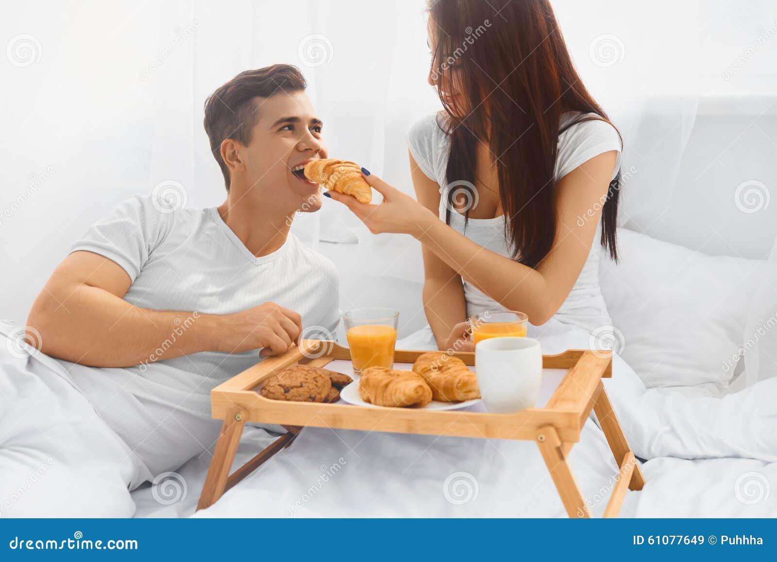 men Woman cum feding
