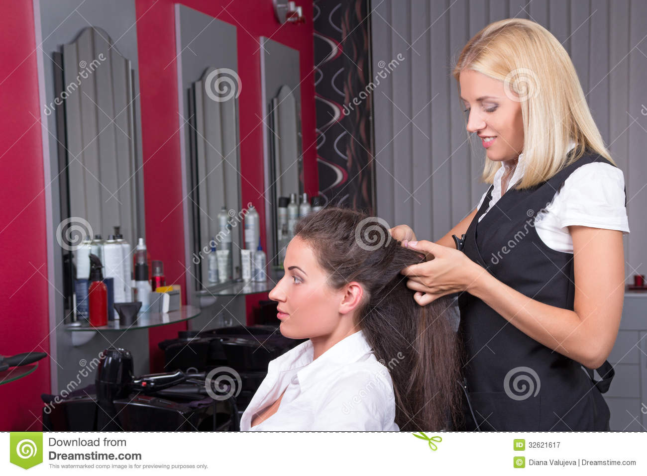 woman-getting-new-haircut-hairdresser-barbershop-attractive-women ...