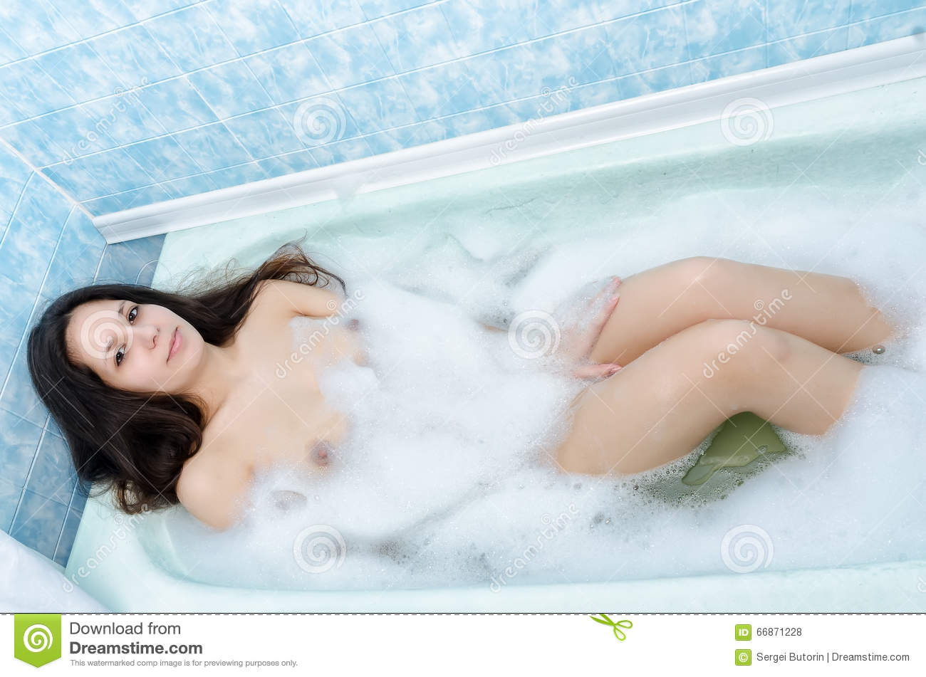 Brunette naked women in the bathtub Young Woman Lying In Bathtub With Foam And Relax Stock Photo Image Of Grace Beautiful 66871228