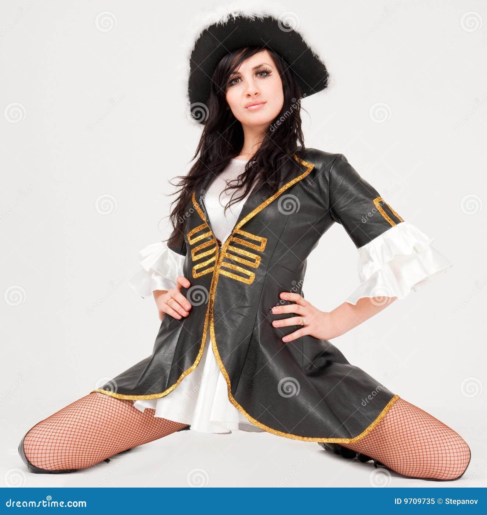 Women's Pirate Costume. Buy New$19.99