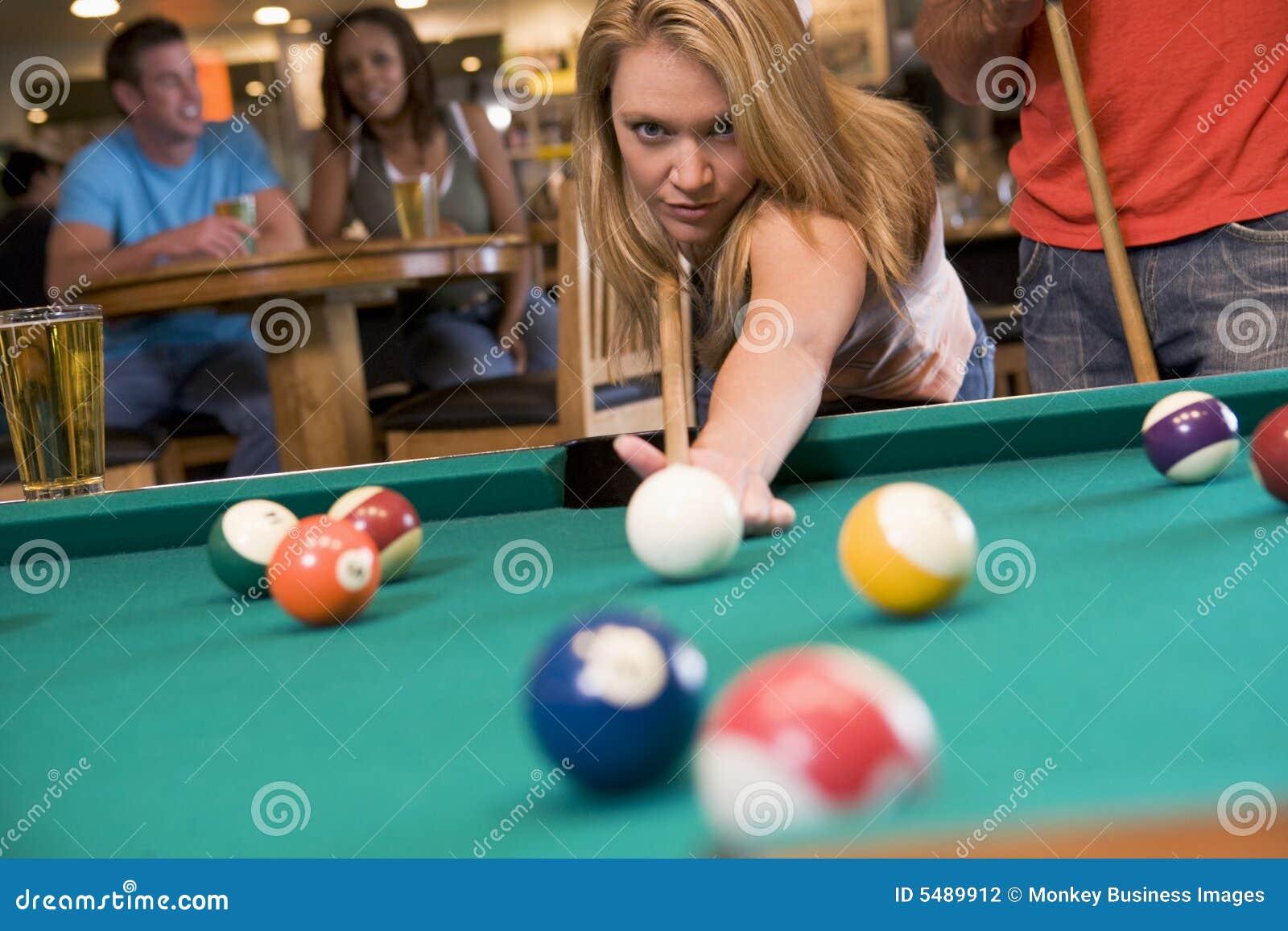 Учил девку играть в бильярд и 7 фотография