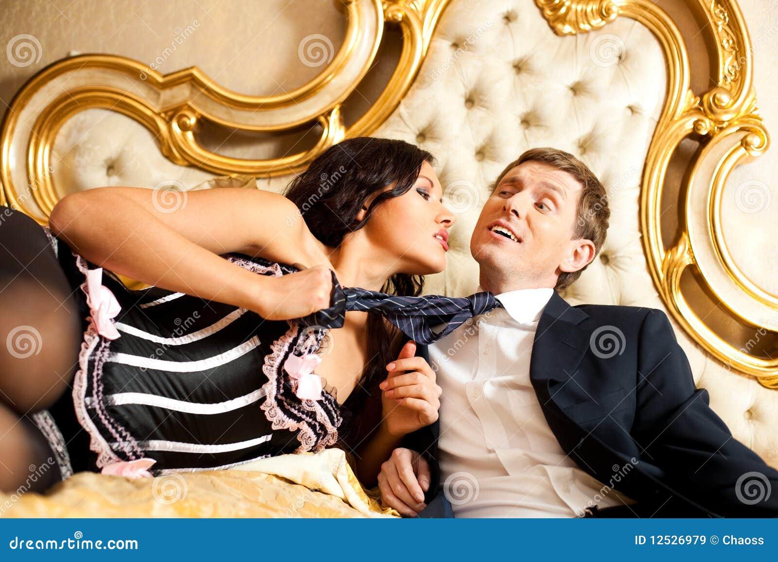 Смотреть онлайн игры в постели мужа с женой 11 фотография