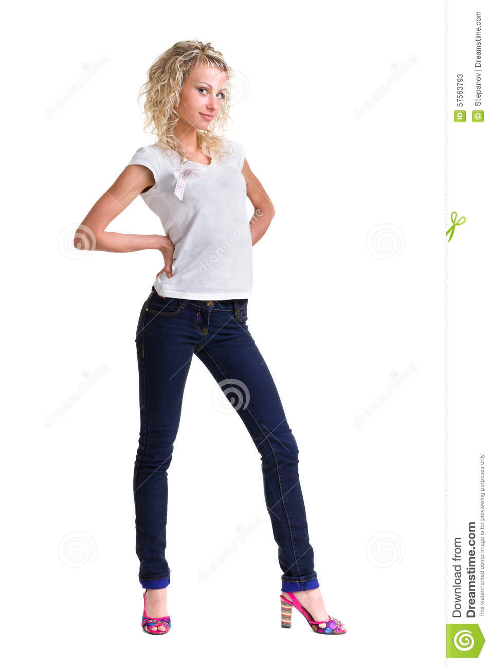 Young beautiful and cool woman full body | Premium PSD File