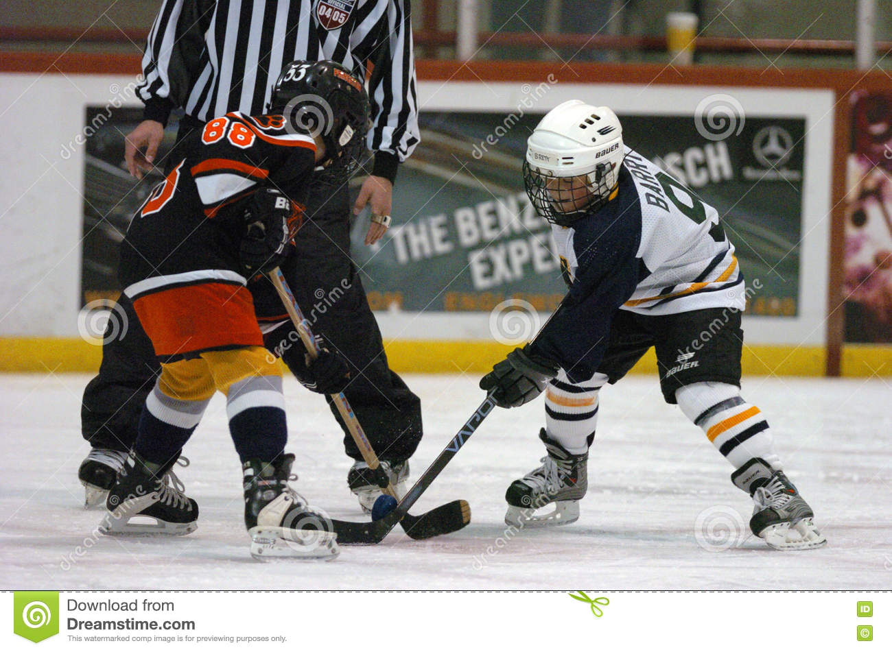 Youth Hockey Game With A Faceoff With Kids Editorial Stock Image Image Of Uniform Game 78827489