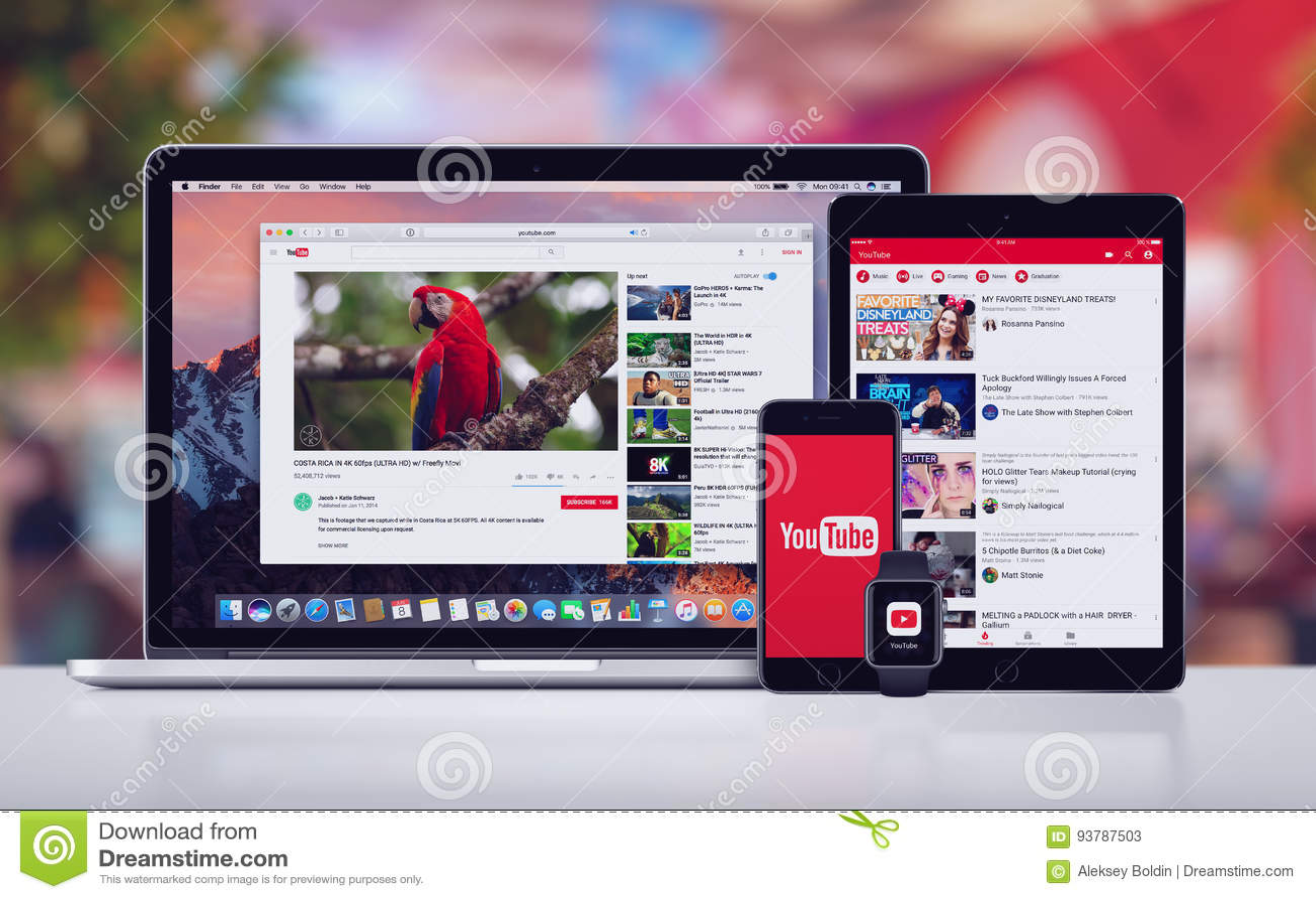 YouTube на вахте и Macbook Яблока iPad iPhone 7 Яблока Pro Pro