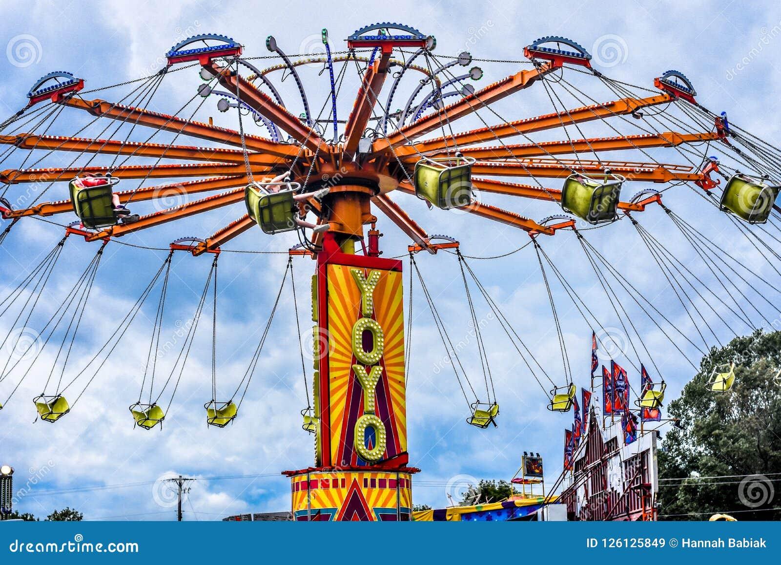 YoYo Carnival Ride no Condado de Walworth justo