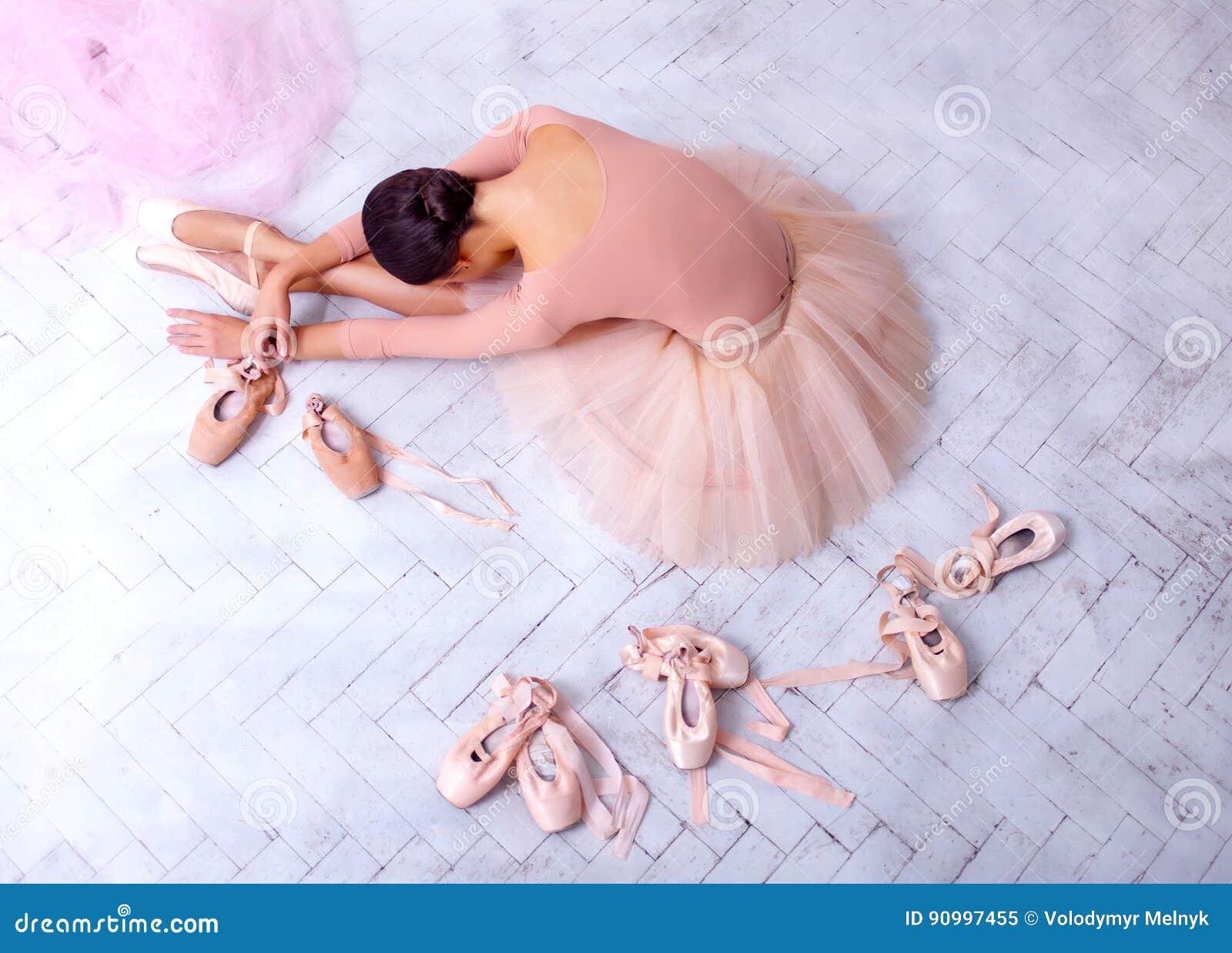Yrkesmässig balettdansör som vilar efter kapaciteten