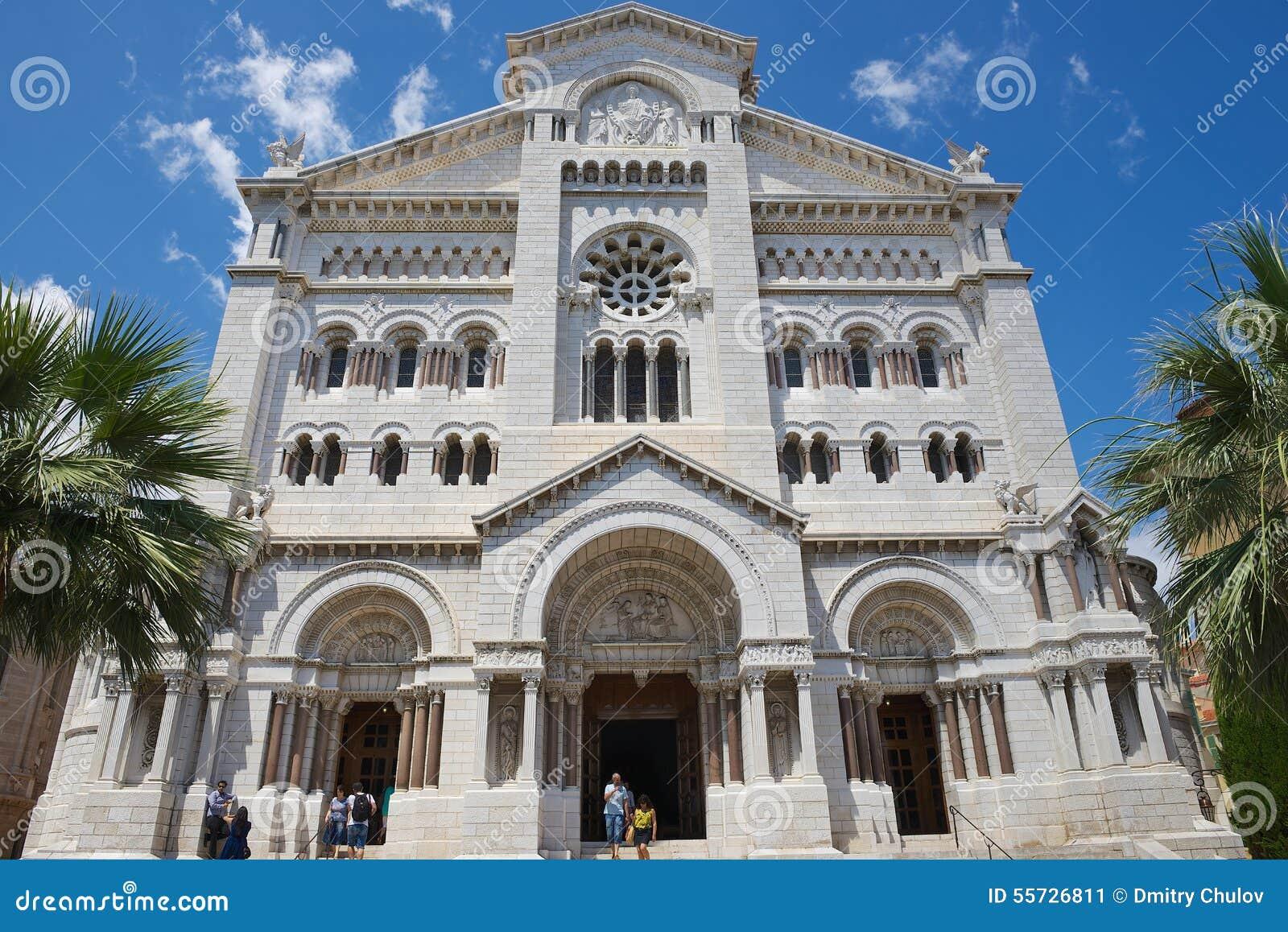 Yttersida av den Monaco domkyrkan (Cathedrale de Monaco) i Monaco-Ville, Monaco