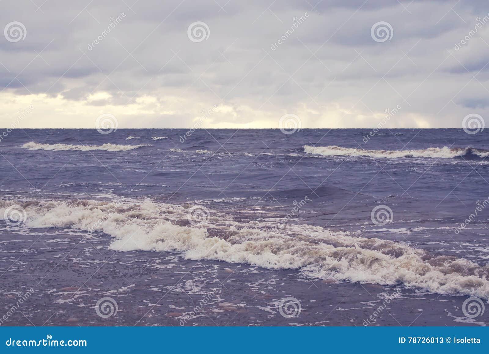 Yttersida för havsvatten i Jurmala, Lettland