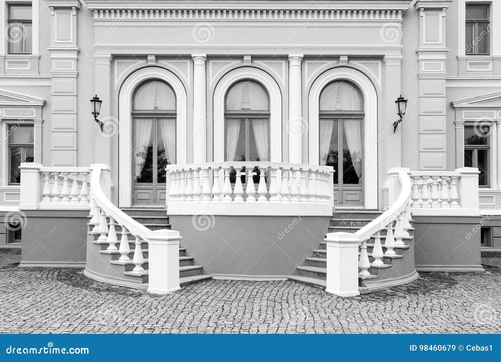 Yttre detalj av neo renässansbyggnad
