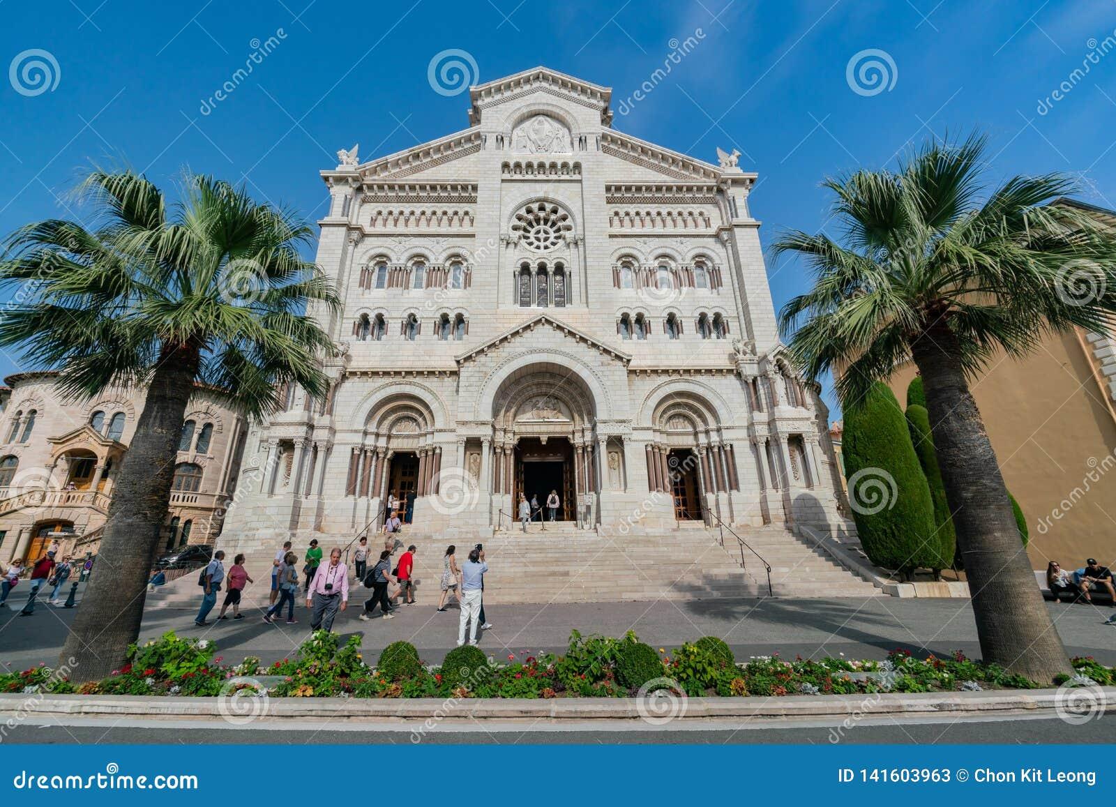 Yttre sikt av det historiska helgonet Nicholas Cathedral
