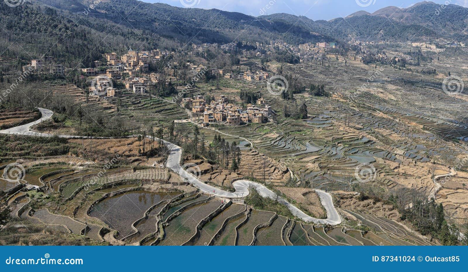 YuanYang ryż tarasuje w Yunnan, Chiny, jeden opóźneni UNESCO światowego dziedzictwa miejsca