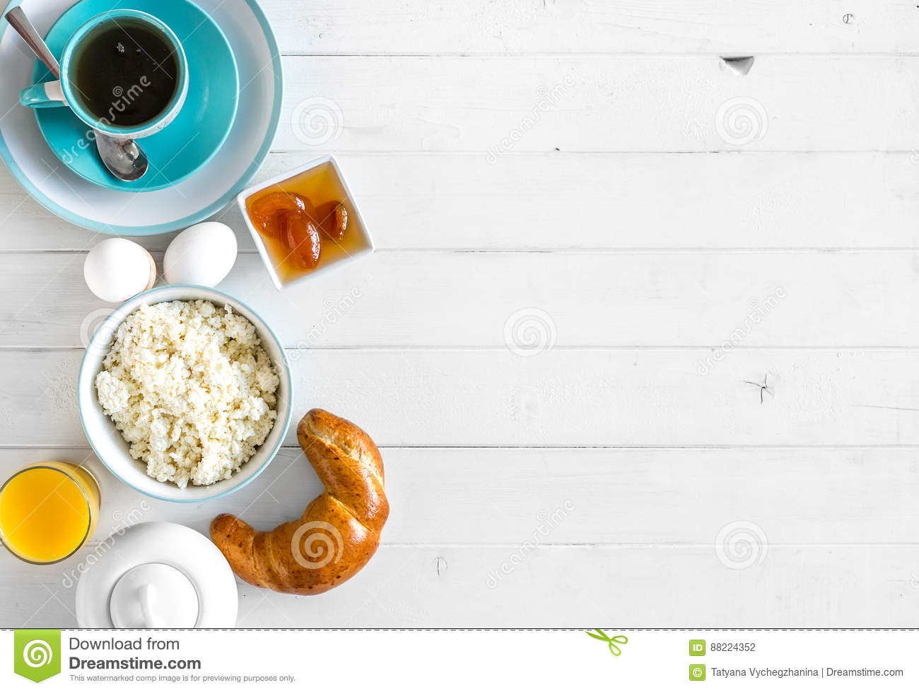 Yummy breakfast, additional text space left, topview