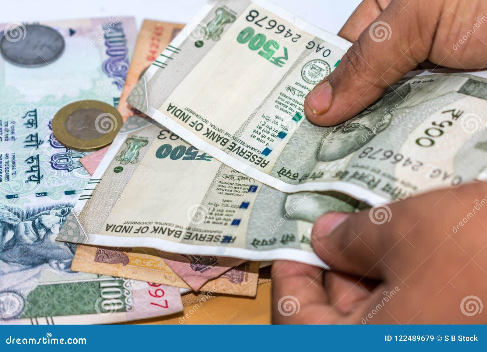 Zählung von Währung der indischen Rupie, Geld