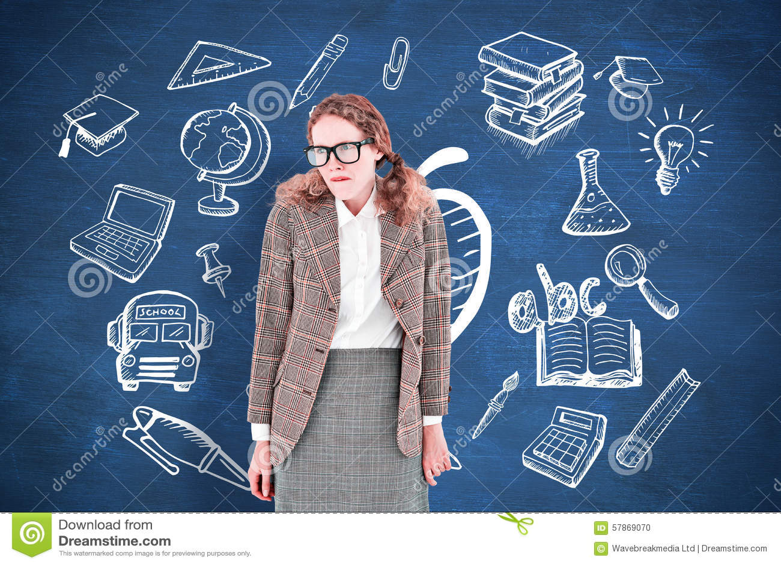 Złożony wizerunek geeky modniś kobieta patrzeje nerwowy