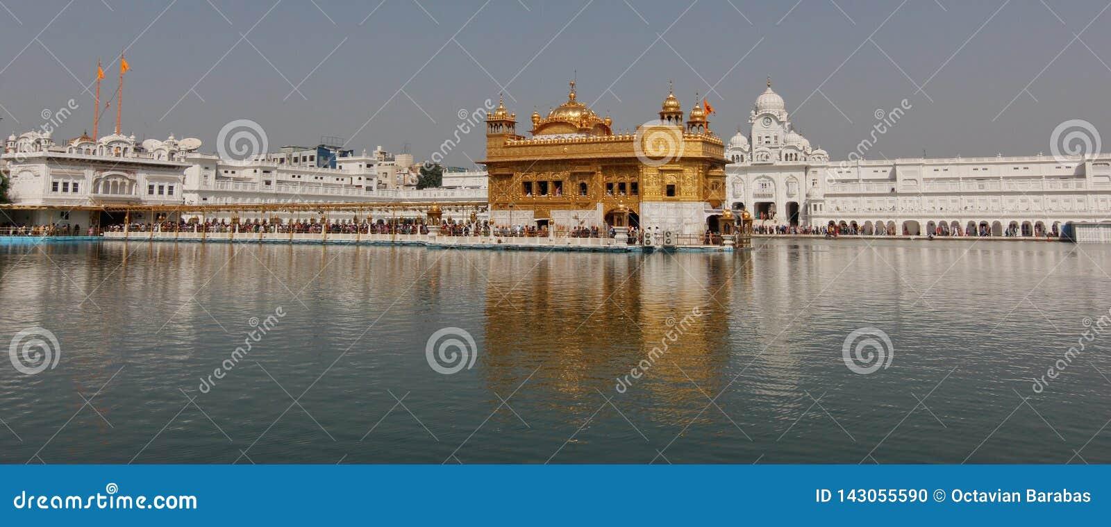 Złota świątynia w Amritsar, India/