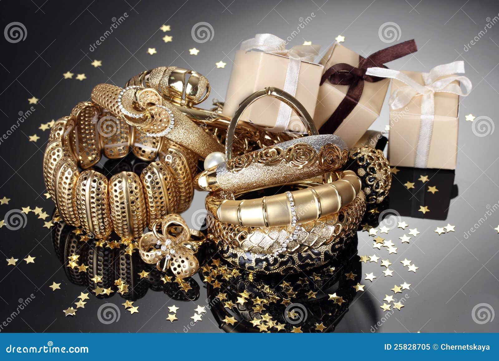 Złota biżuteria i prezenty