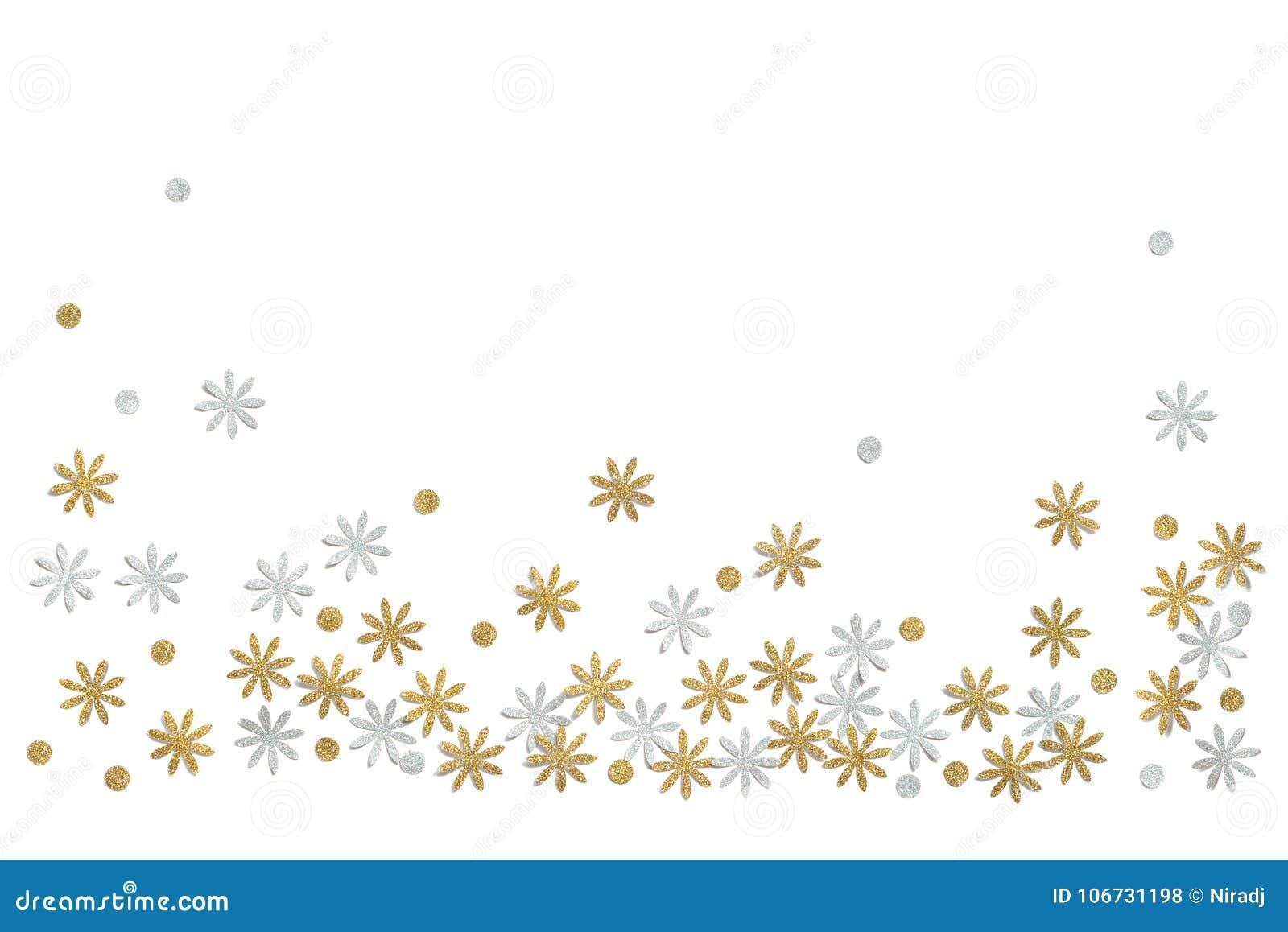Złota i srebra błyskotliwości kwiatu papier ciie na białym tle