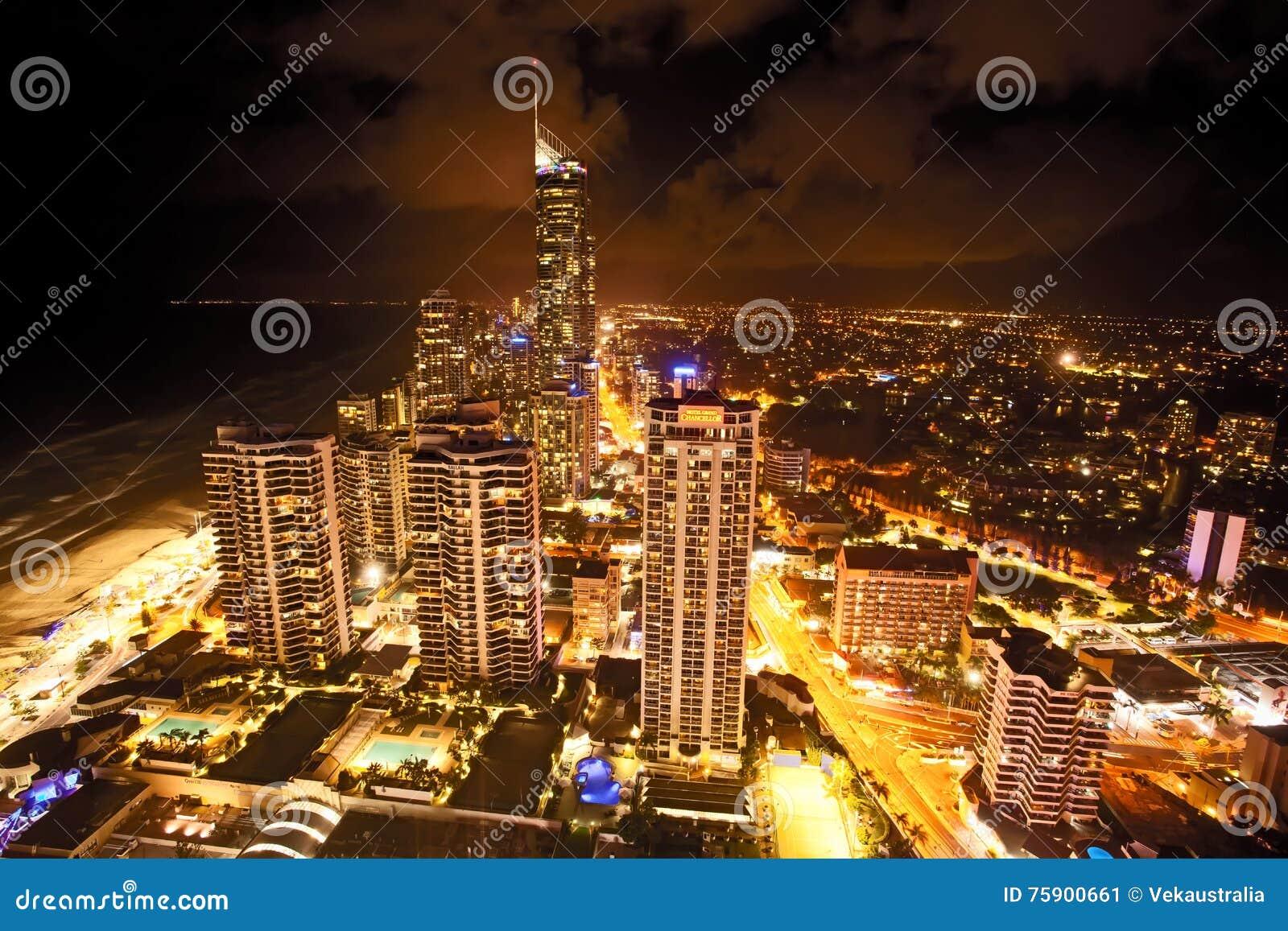 Złota Queensland Australia Q1 nocy Brzegowa scena