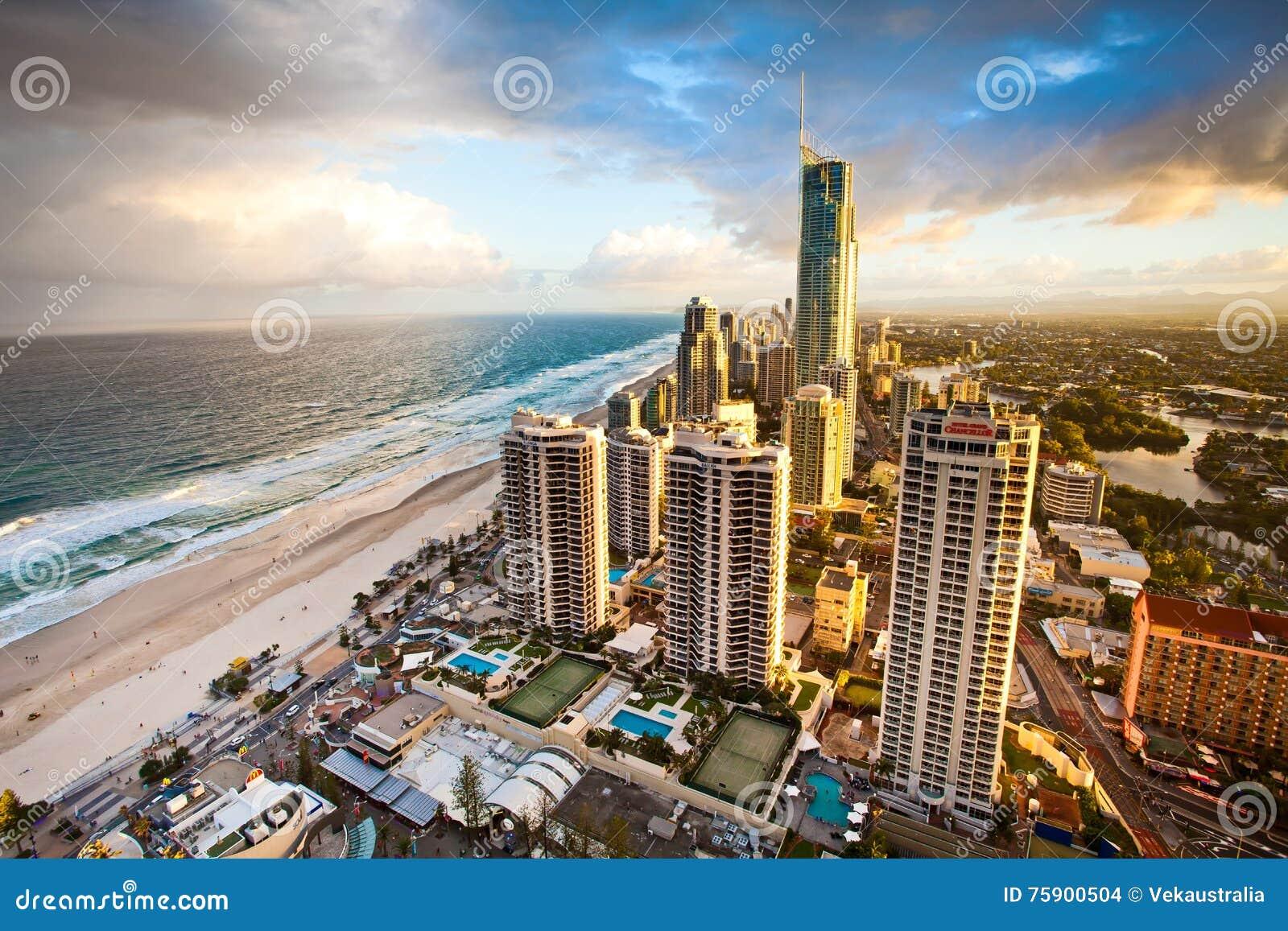 Złota Queensland Australia Q1 wieczór Brzegowa scena