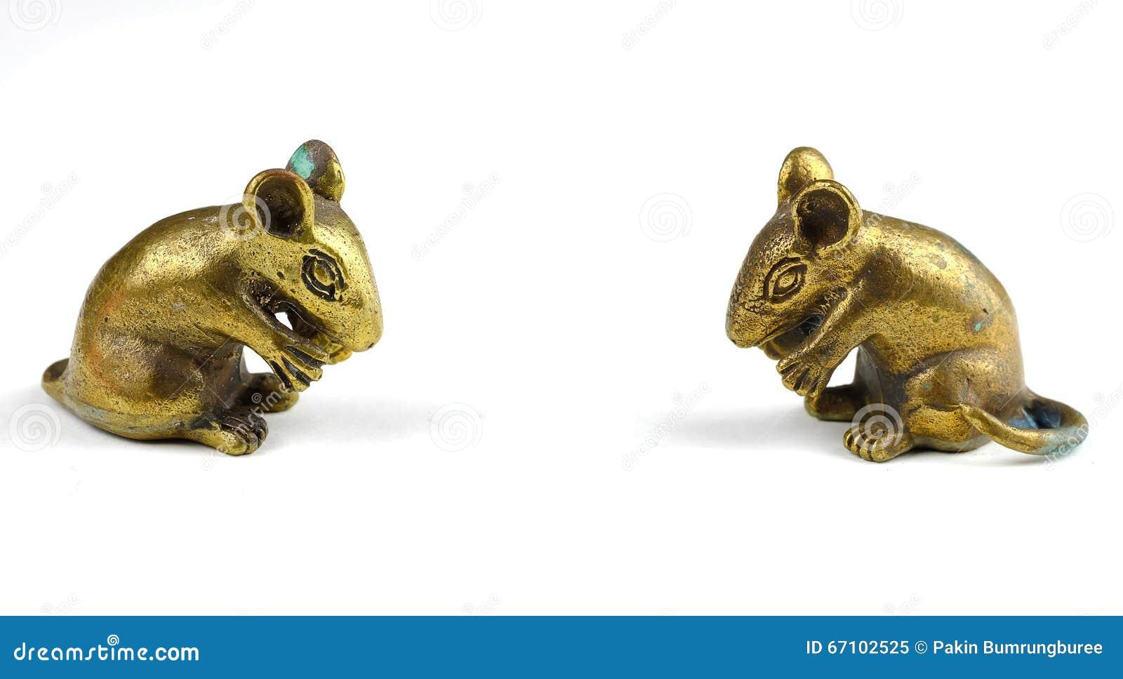 Złota statua szczur