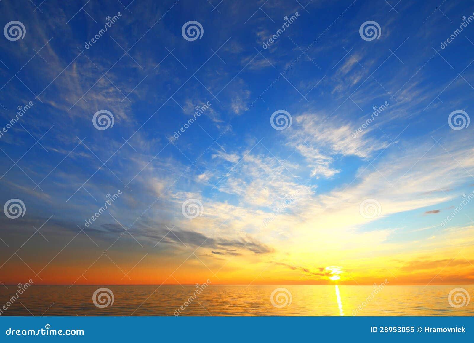 Złoty niebo spadek