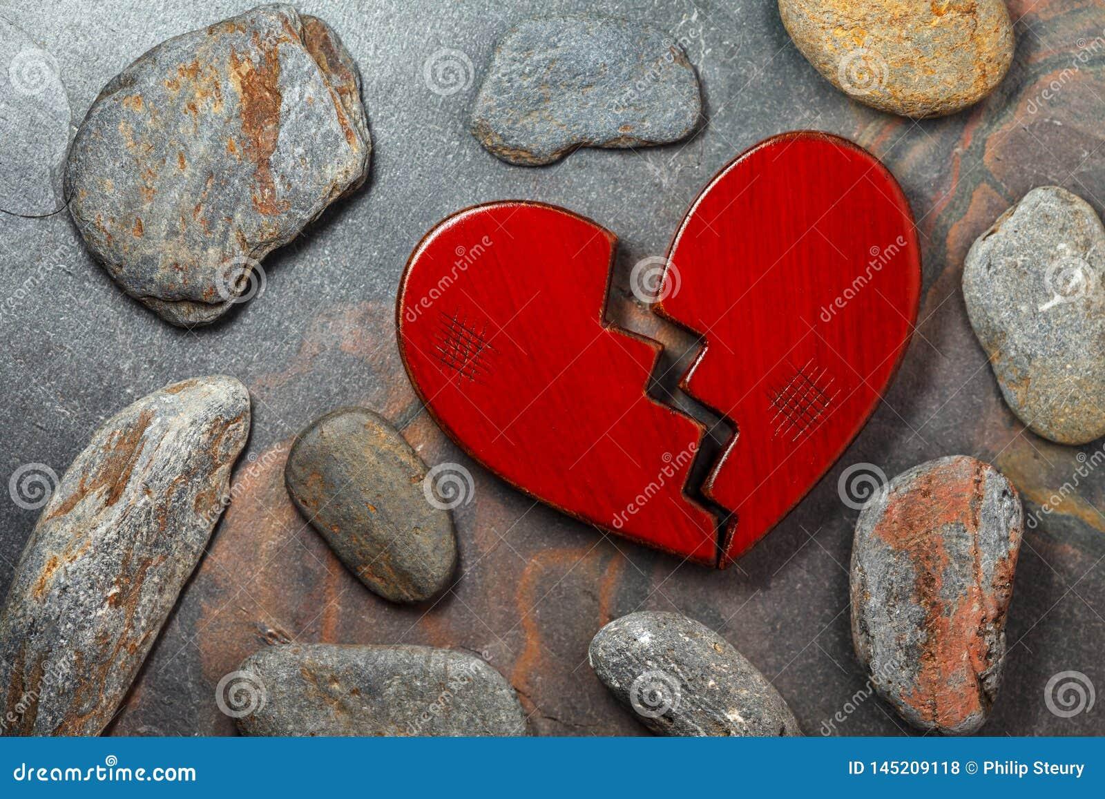 Z?amane serce czerwony