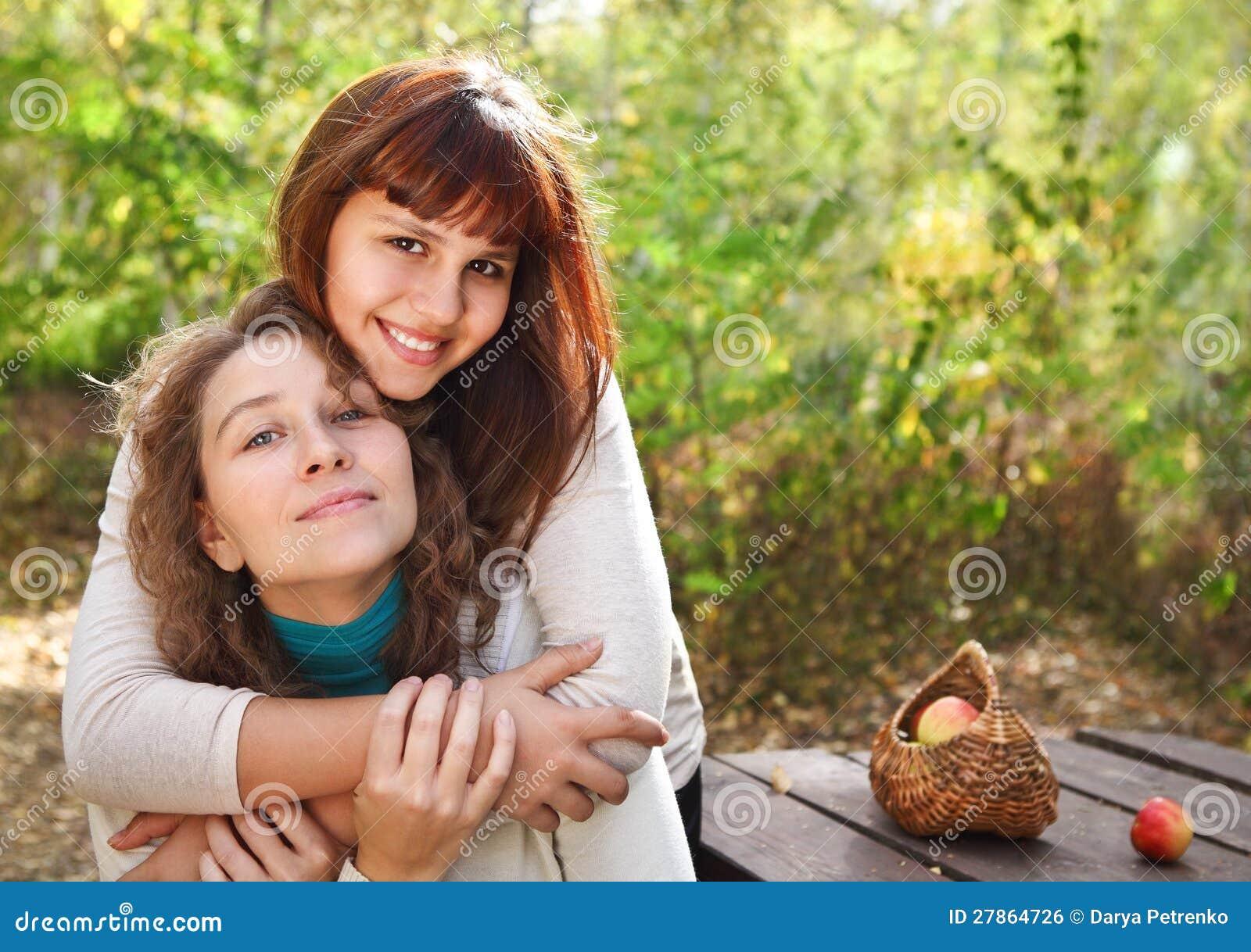 Z jej matką nastolatek dziewczyna