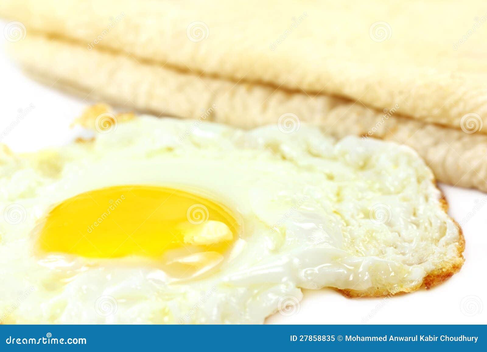 Z kłusującym jajkiem Roti chleb