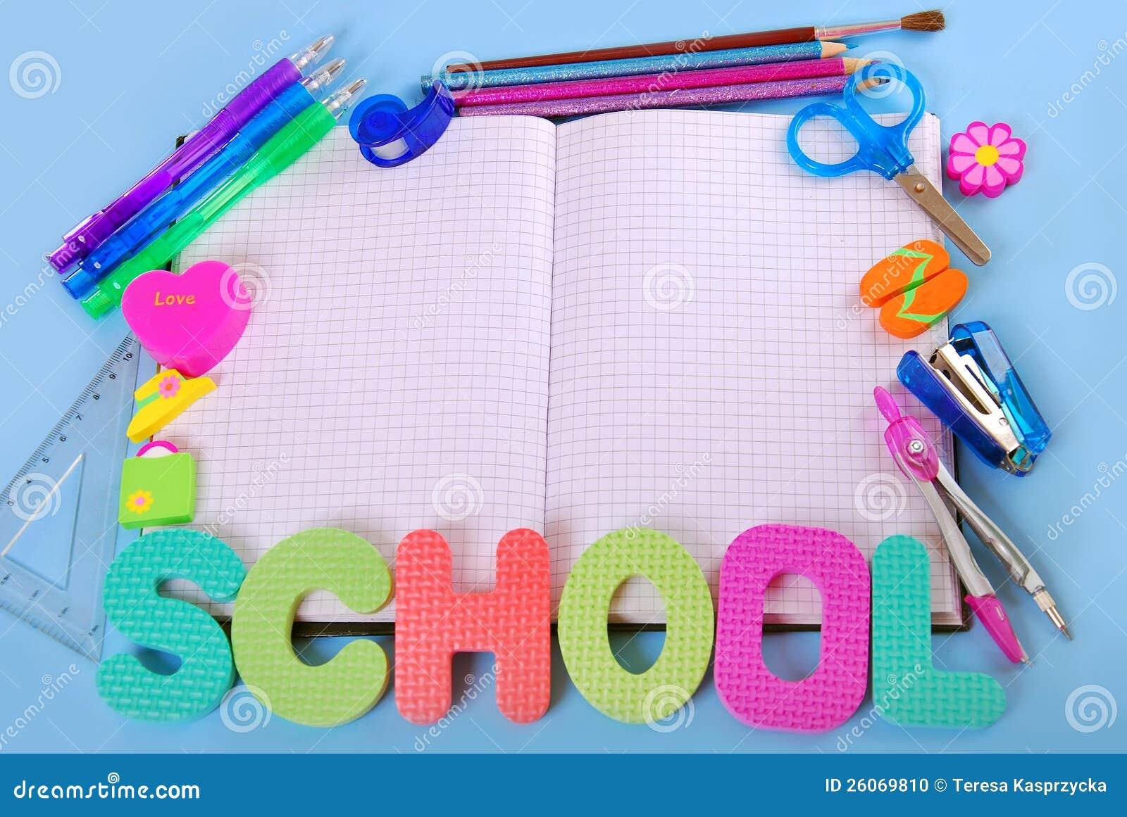 Z notatnikiem szkolna rama