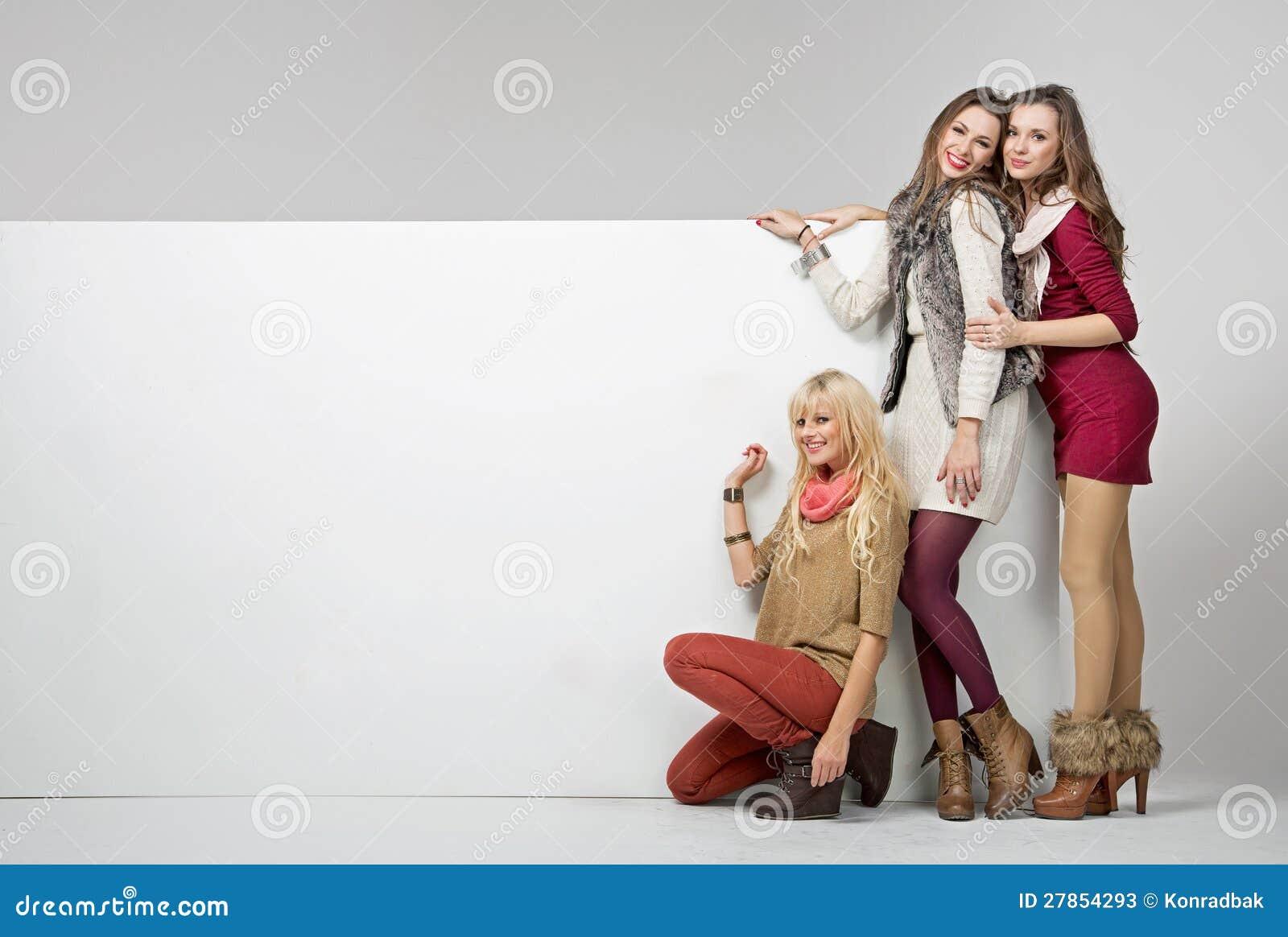Z pustą deską mod dziewczyny
