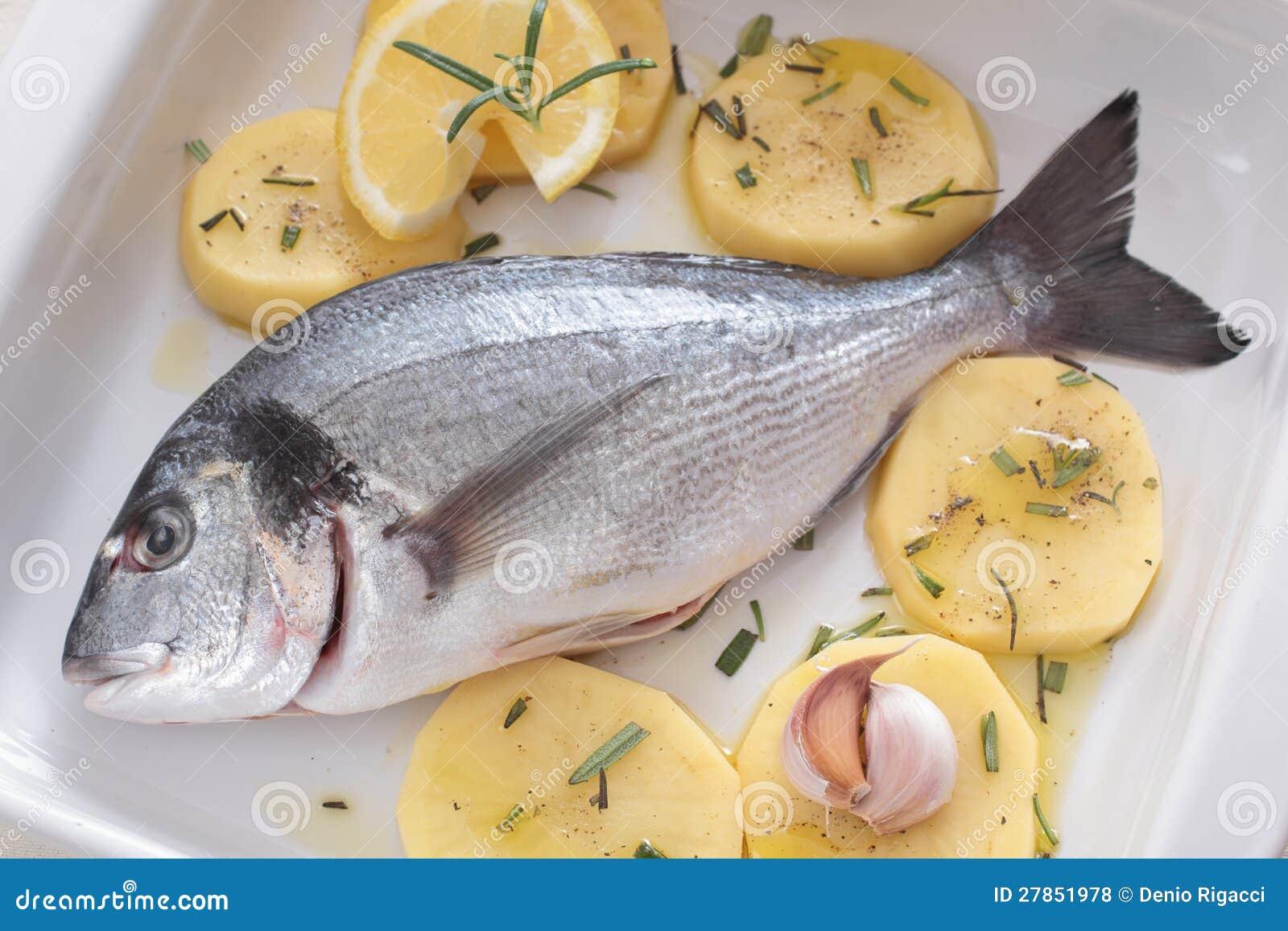 Z warzywami świeża ryba
