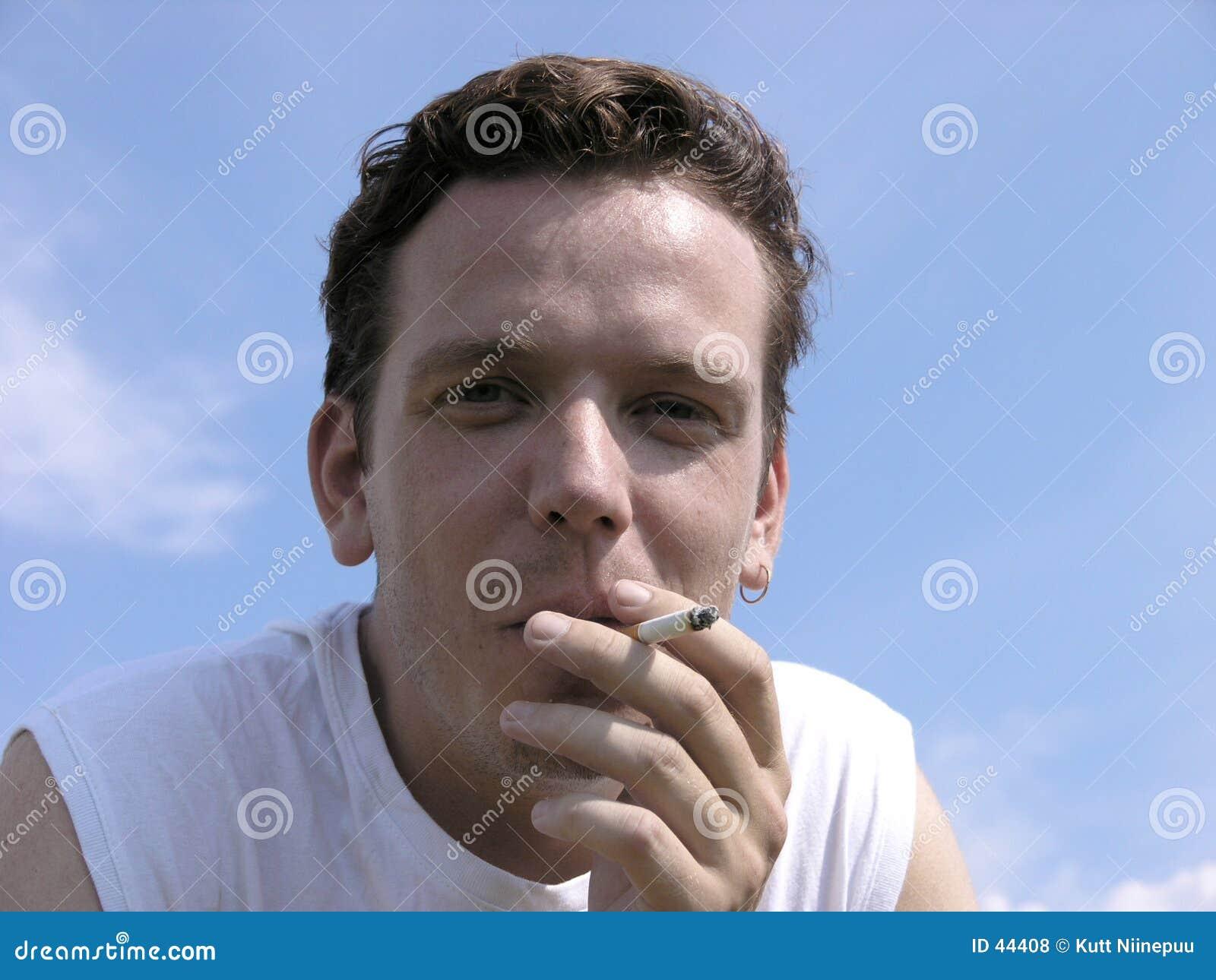 Download Zły nawyk zdjęcie stock. Obraz złożonej z dymienie, stres - 44408
