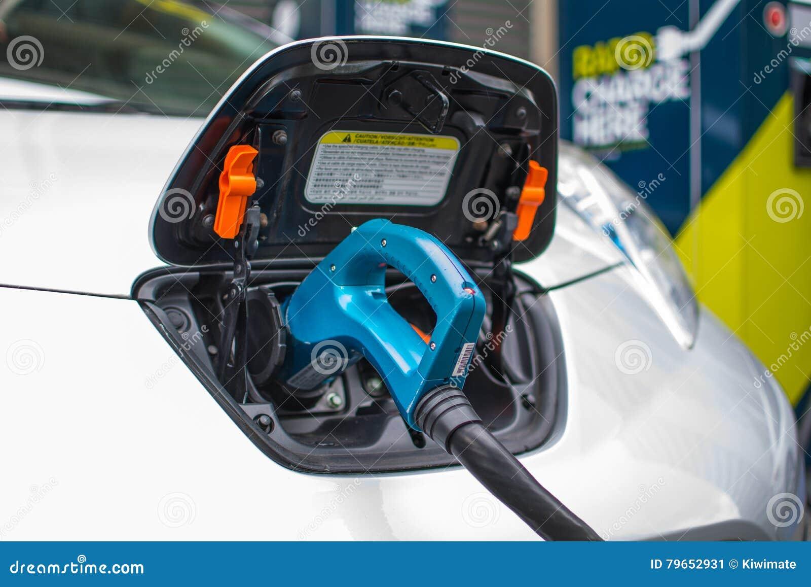 Załadować samochód elektryczny